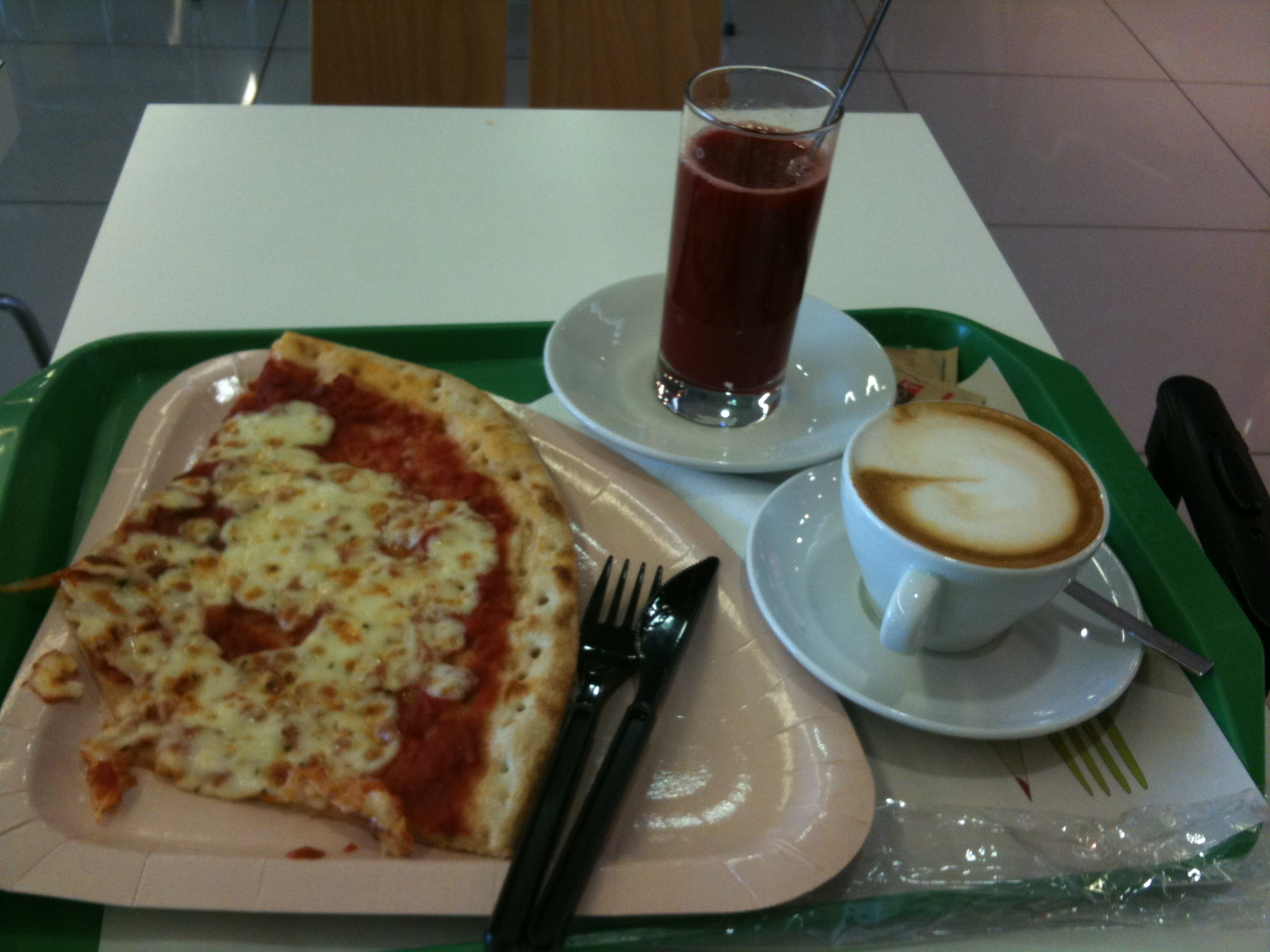 italian-food-at-the-airport